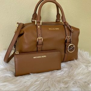 Michael Kors LG ginger duffel satchel bag & wallet